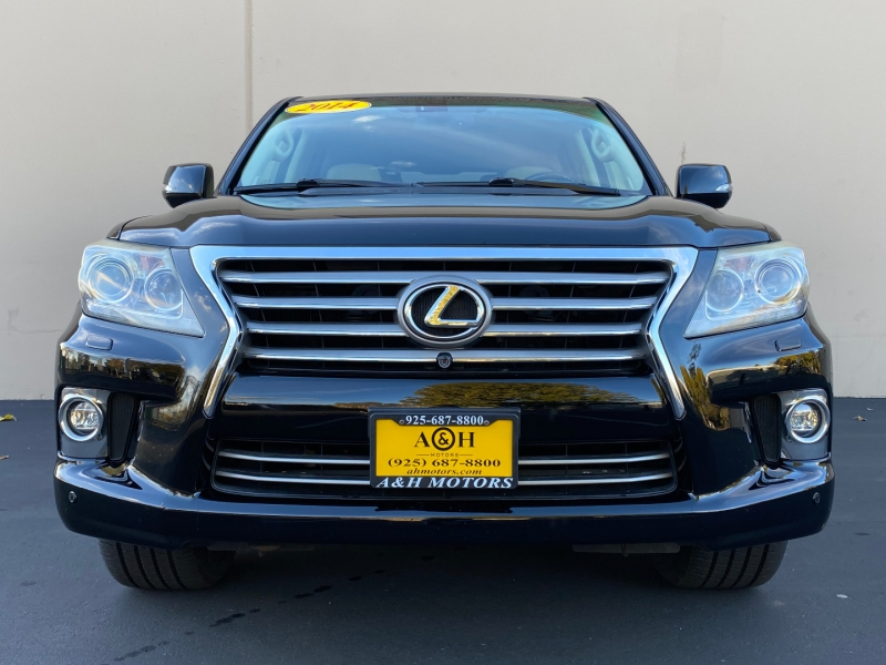 Lexus LX 570 2014 price $35,995