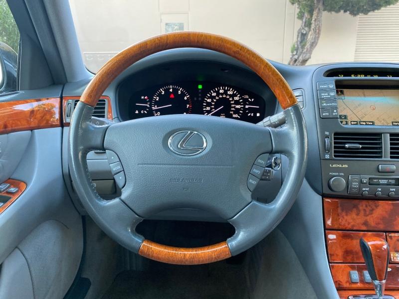 Lexus LS 430 2005 price $11,995