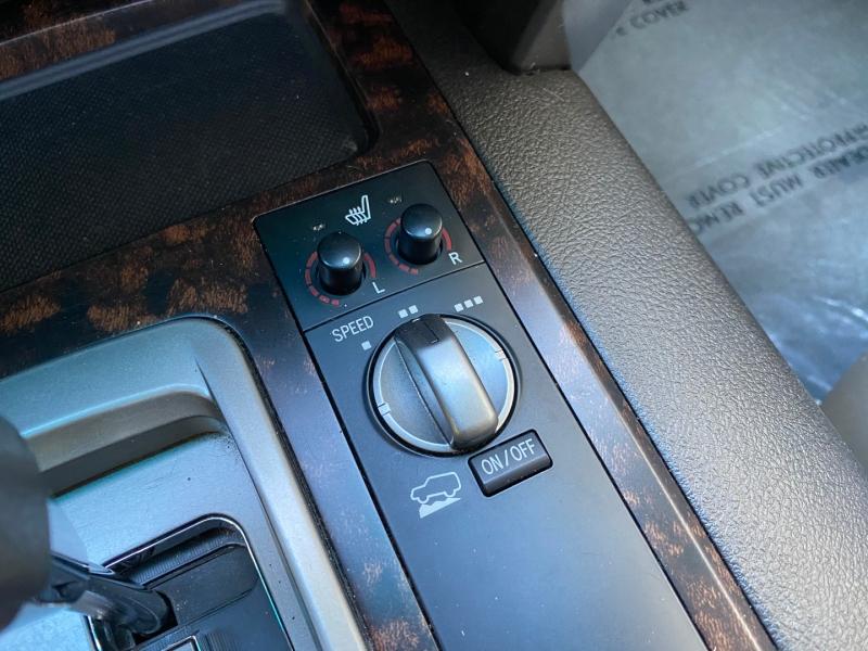 Toyota Land Cruiser 2011 price $38,995