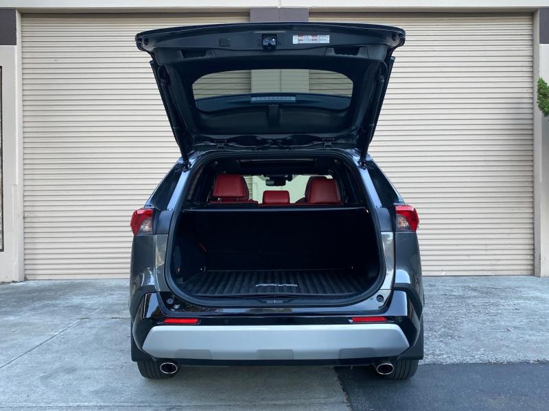 Toyota RAV4 2019 price $39,995