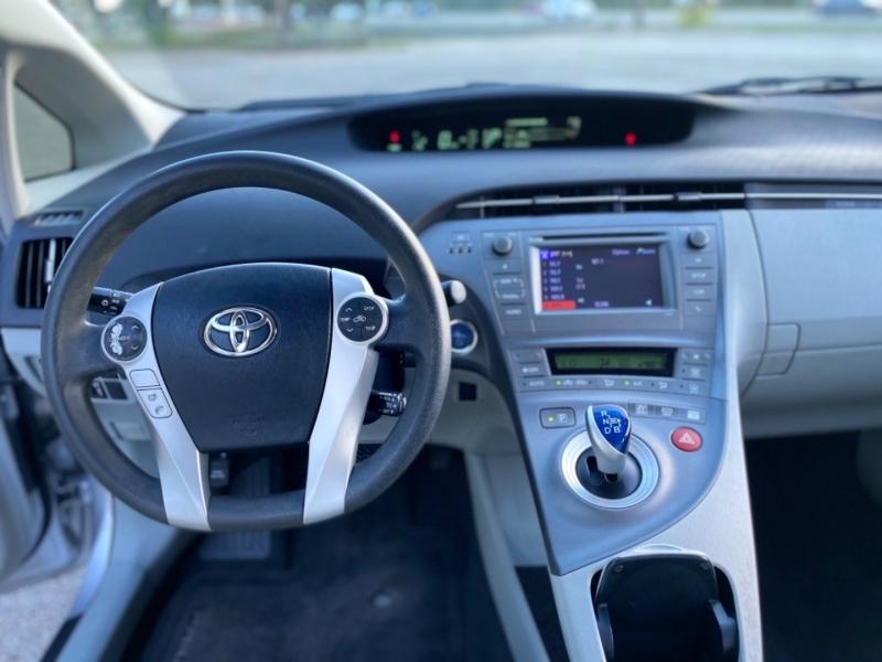 Toyota Prius 2014 price $10,100
