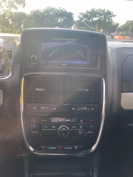 Dodge Grand Caravan 2014 price $9,700