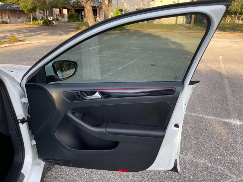 Volkswagen Jetta Sedan 2015 price $11,800