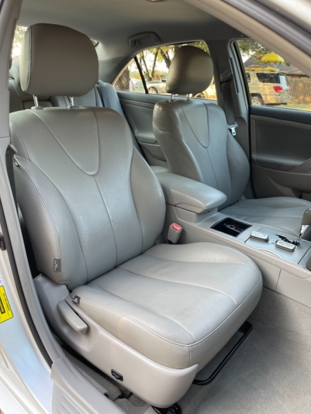 Toyota Camry Hybrid 2009 price $8,700