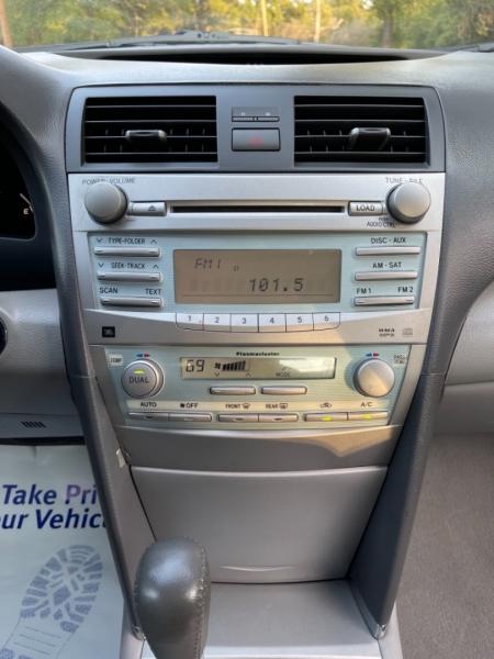 Toyota Camry Hybrid 2009 price $9,000