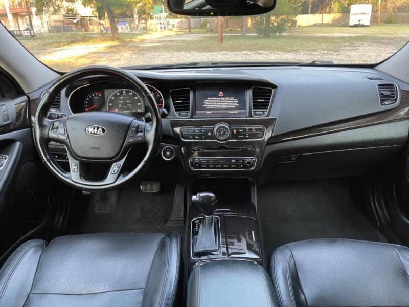 Kia Cadenza 2014 price $14,500