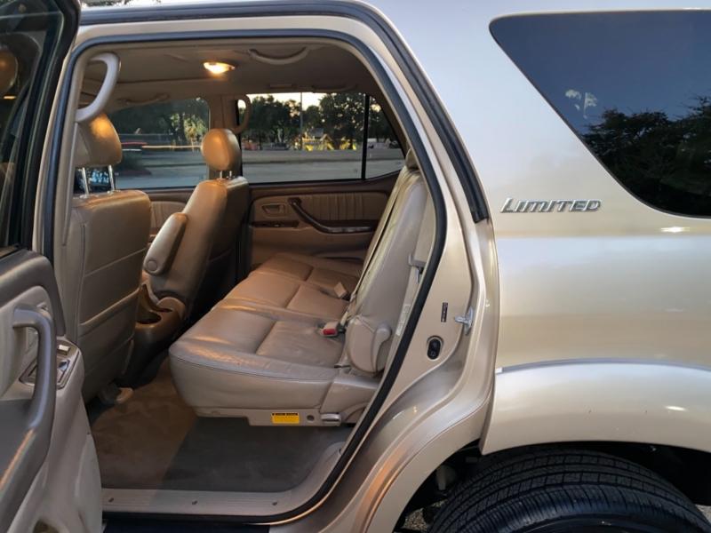 Toyota Sequoia 2007 price $6,500