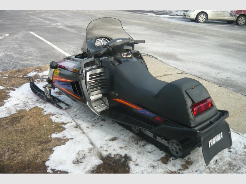 YAMAHA VMAX SNOWMOBILE 1995 price $2,500