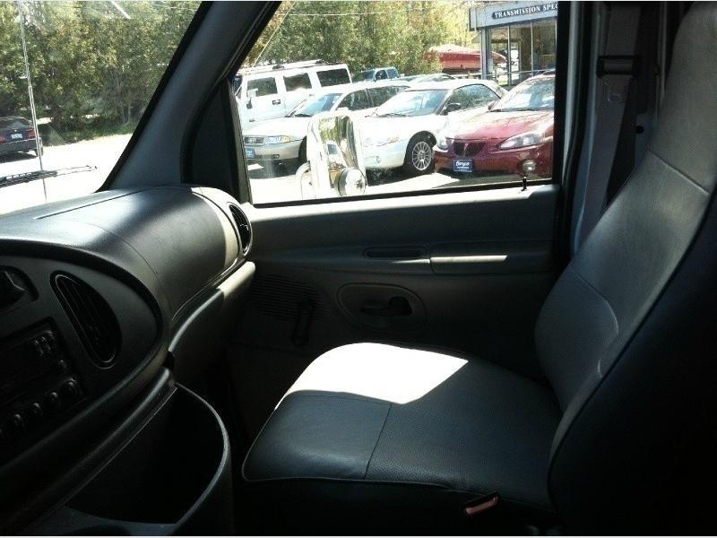 Ford Econoline Cutaway 1997 price $7,000