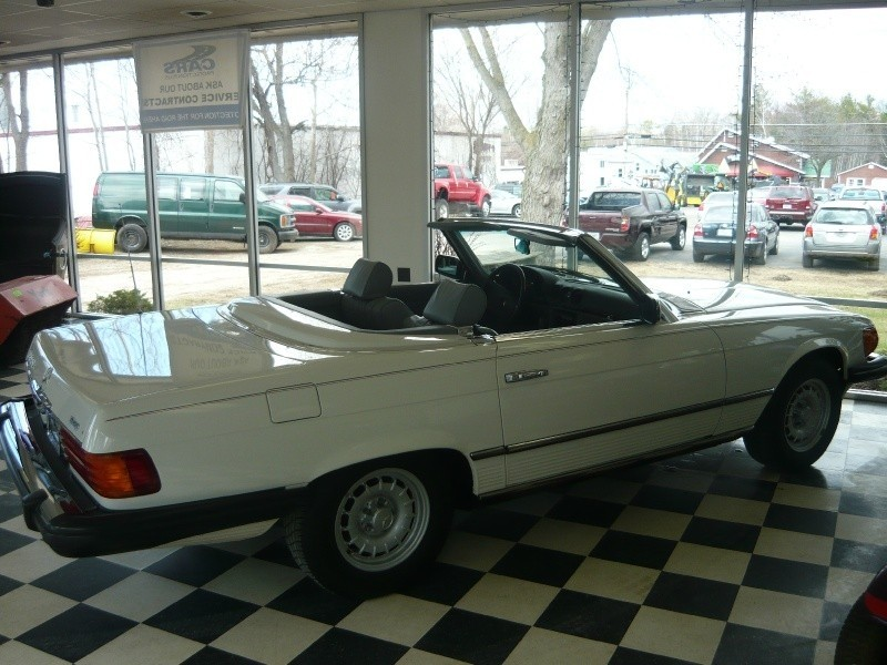 Mercedes-Benz 380 SL Convertiable 1985 price $30,000