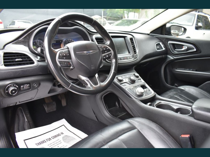 CHRYSLER 200 2015 price $9,475