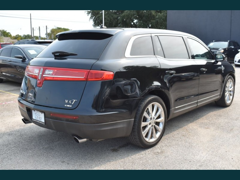 LINCOLN MKT 2010 price $9,575