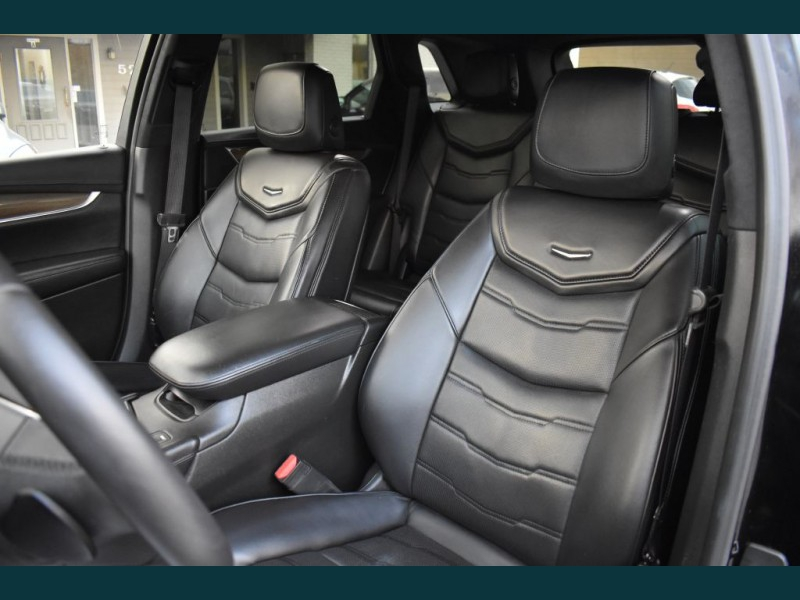 CADILLAC XT5 2017 price $22,995