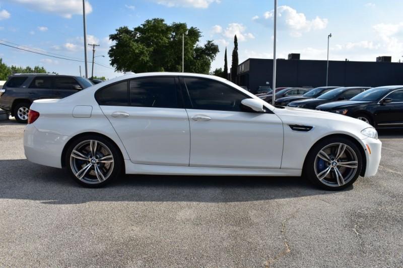 BMW M5 2013 price $33,990