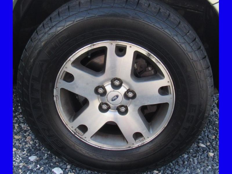 Ford Escape 2005 price $4,995