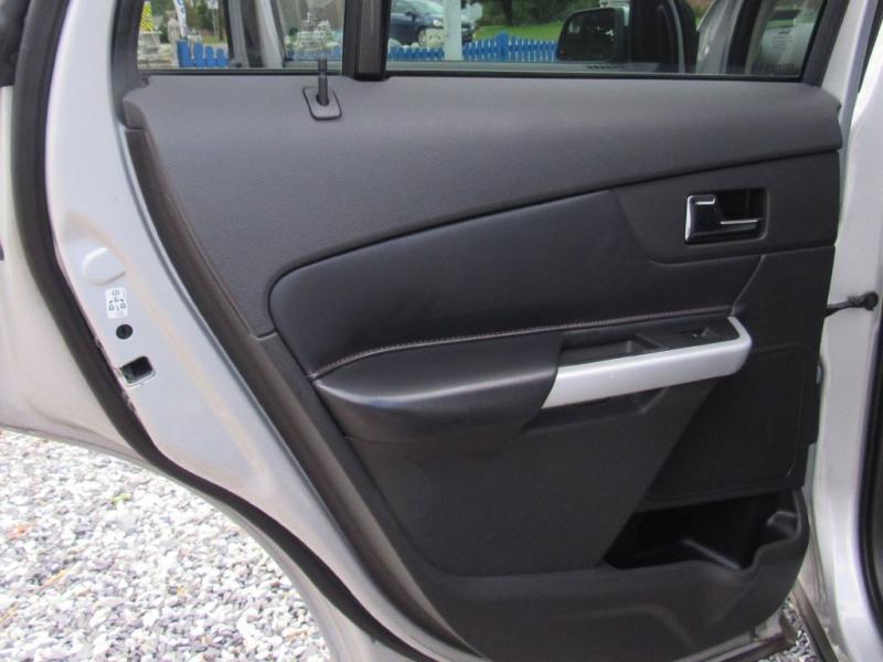 Ford Edge 2012 price $12,895
