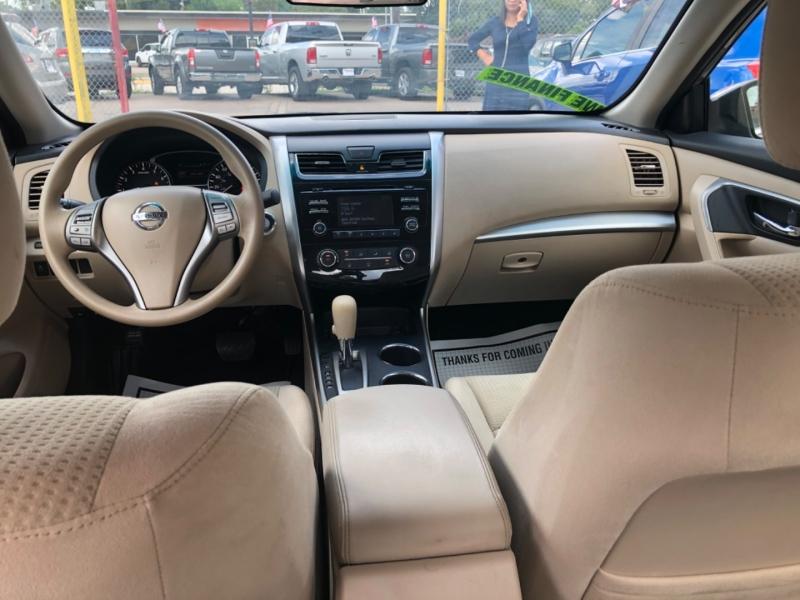 Nissan Altima 2015 price $2,000 Down