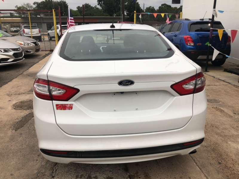 Ford Fusion 2013 price $2,500 Down