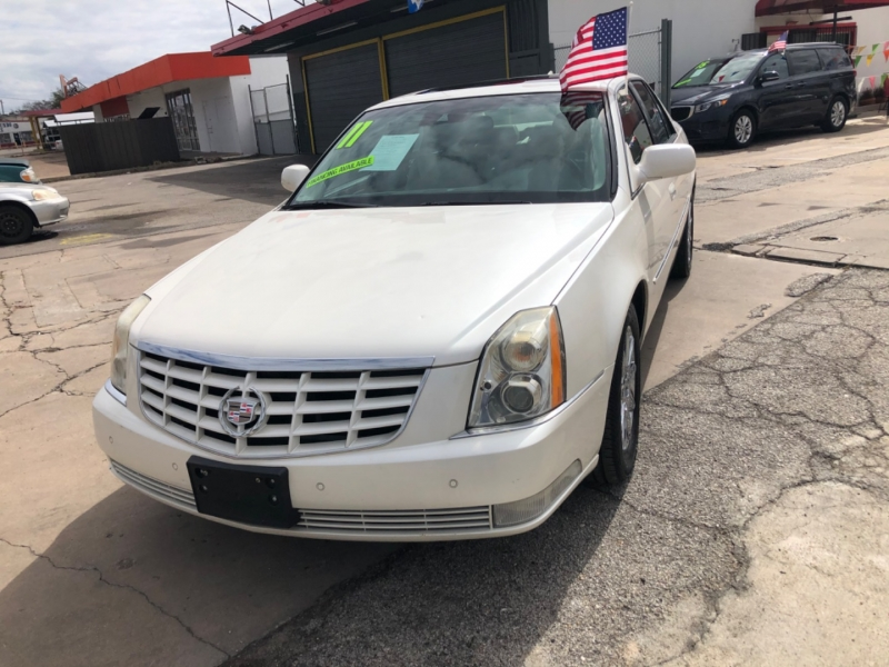 Cadillac DTS 2011 price $2,500 Down