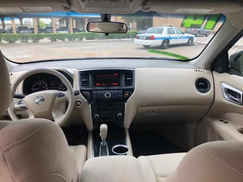 Nissan Pathfinder 2014 price $3,500 Down