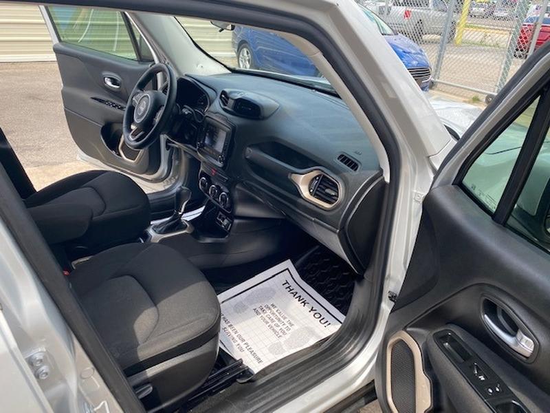 Jeep Renegade 2015 price $3,000