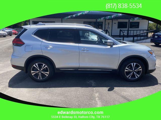 Nissan Rogue 2017 price $14,495