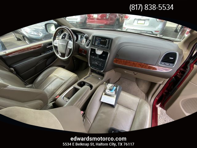 Chrysler Town & Country 2015 price $15,495