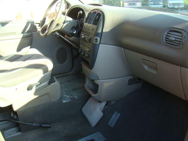DODGE GRAND CARAVAN 2002 price $10,880