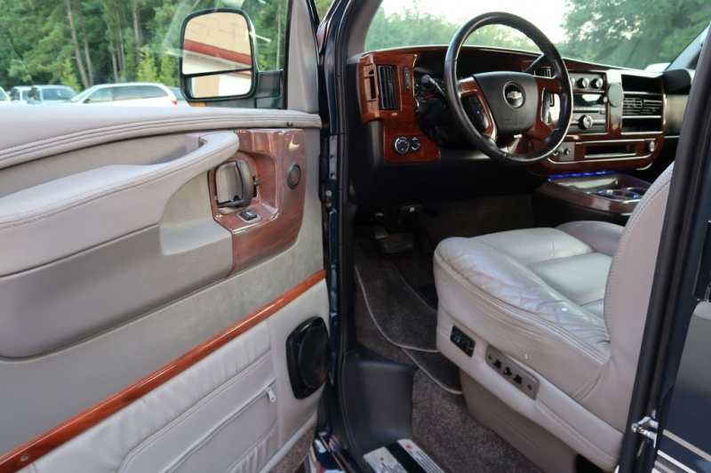 CHEVROLET EXPRESS G1500 2010 price $28,995