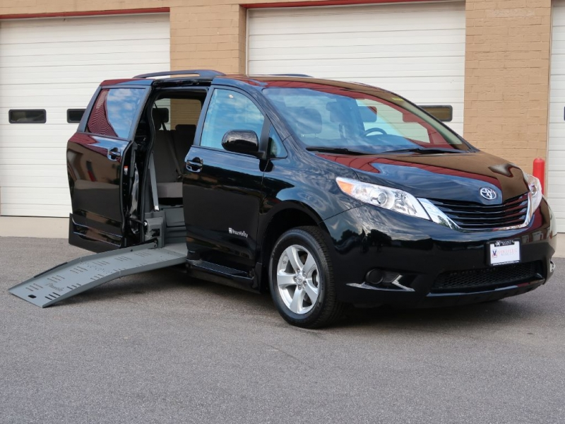 TOYOTA SIENNA 2016 price Call for Pricing.