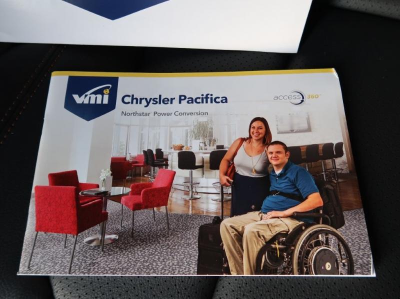 CHRYSLER PACIFICA 2019 price $59,980