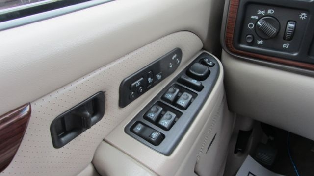 Cadillac Escalade 2004 price $8,995
