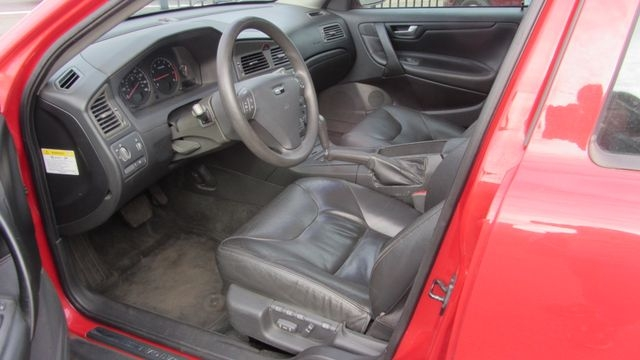 Volvo S60 2002 price $2,795