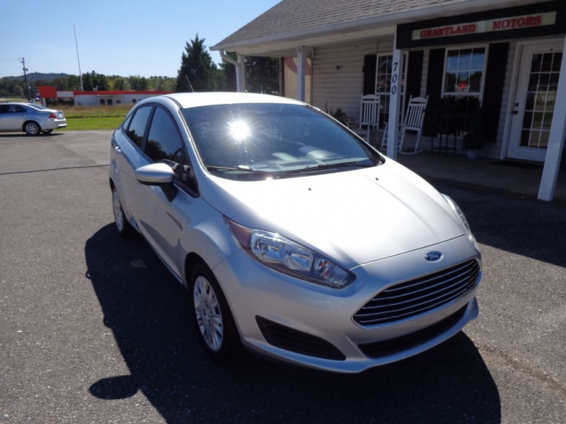 FORD FIESTA 2015 price $5,950