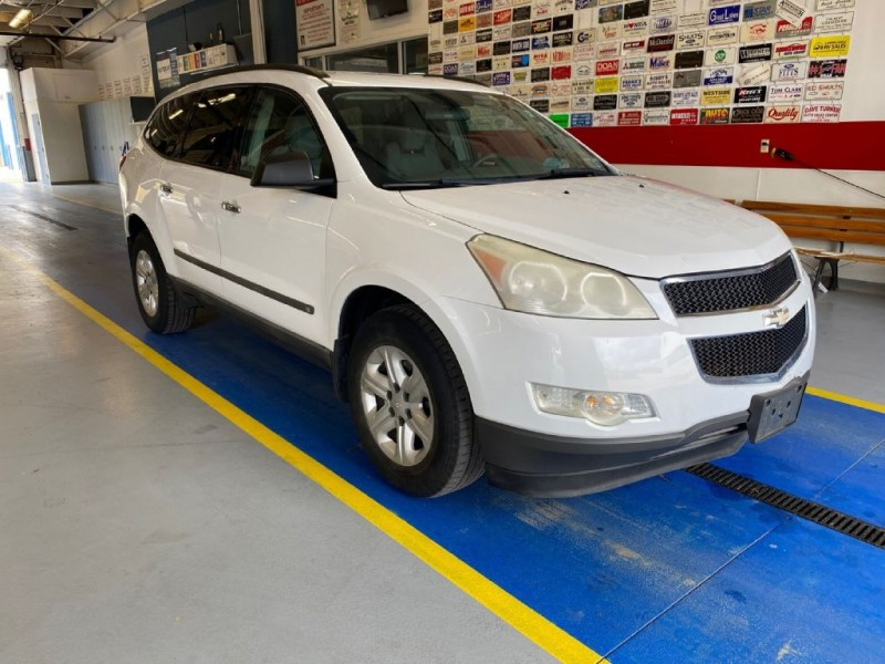 CHEVROLET TRAVERSE 2009 price $7,995