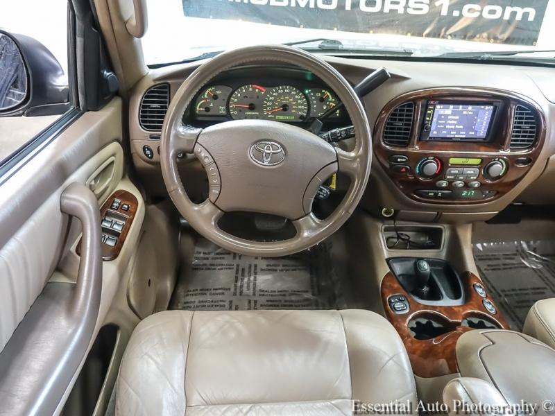 Toyota Sequoia 2004 price $8,998