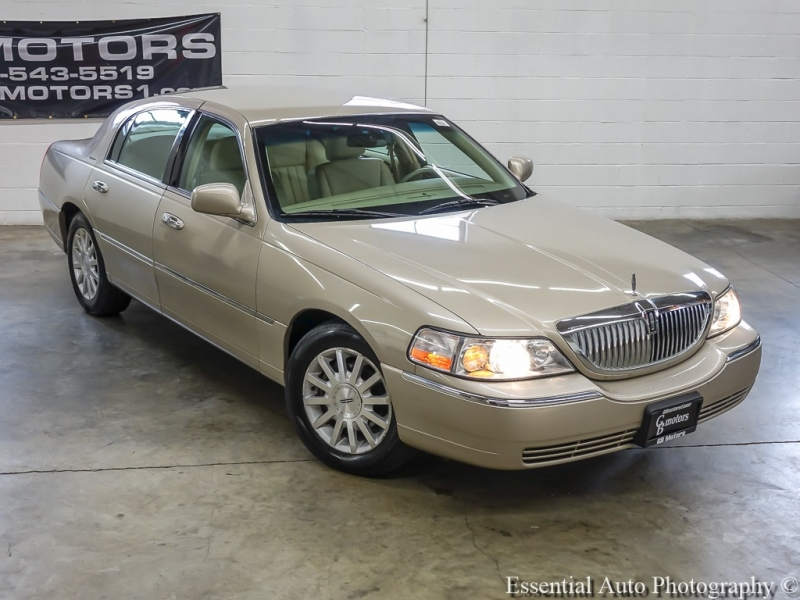 Lincoln Town Car 2007 price $6,889