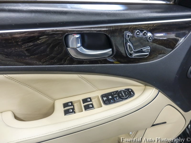 Hyundai Equus 2014 price $18,998