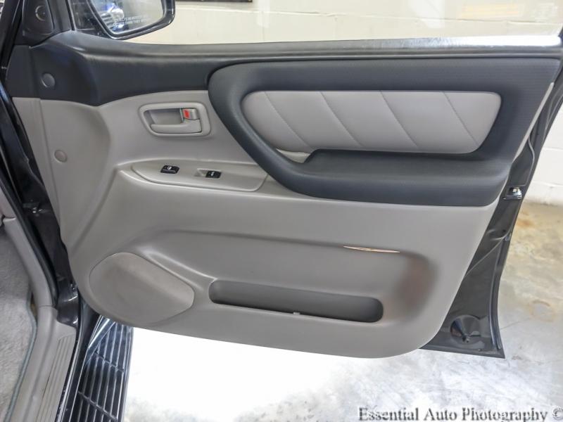 Toyota Land Cruiser 2003 price $23,988