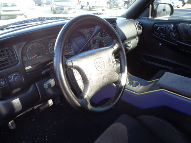 DODGE DAKOTA 1997 price $5,395