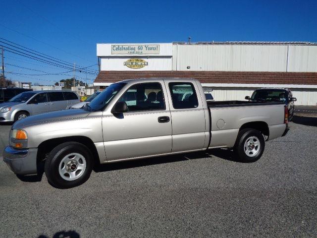 GMC NEW SIERRA 2004 price $7,995