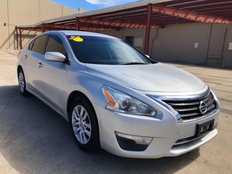 Nissan Altima 2013 price 1500 Enganche