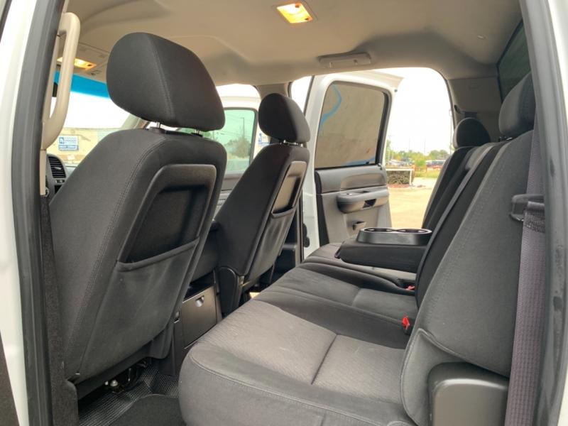 Chevrolet Silverado 2500HD 2013 price 3000 Enganche