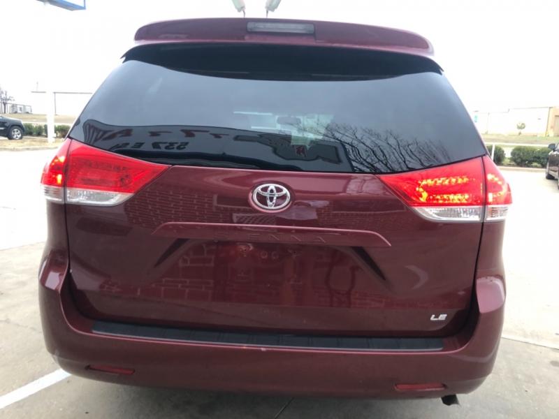 Toyota Sienna 2013 price 3500 Enganche