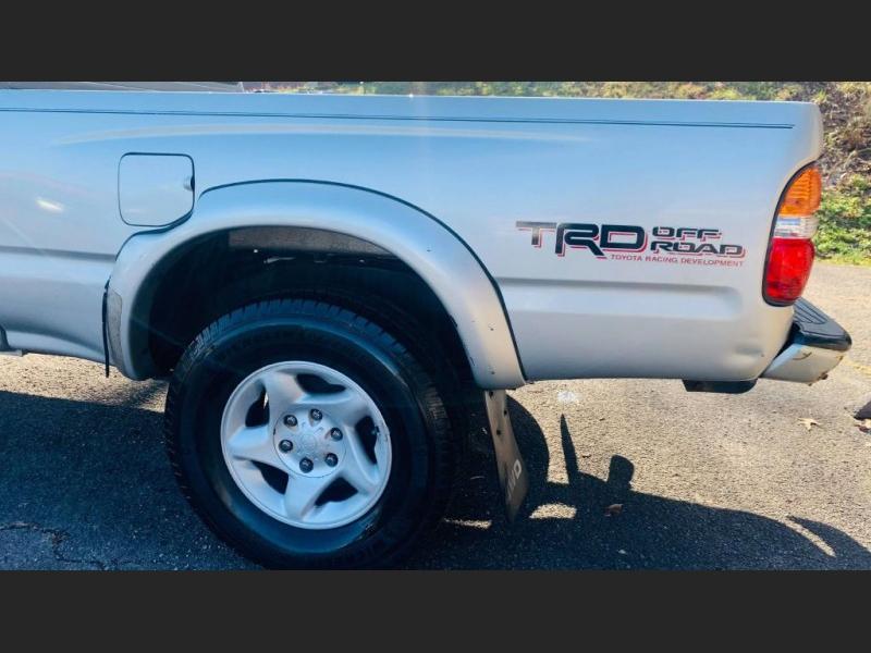 Toyota Tacoma 2002 price $9,995