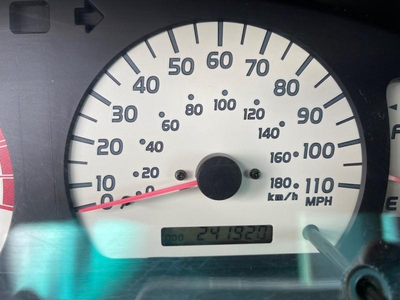 Toyota Tacoma 2004 price $9,995