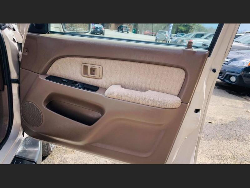Toyota 4Runner 2000 price $5,995