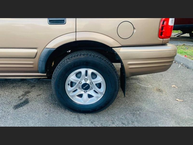 Isuzu Rodeo 2002 price $5,995