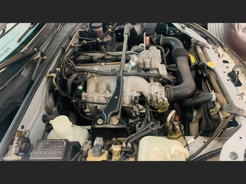 Mazda MX-5 Miata 2004 price $5,995