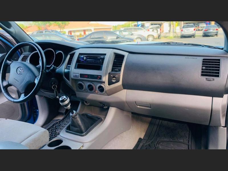 Toyota Tacoma 2005 price $12,995